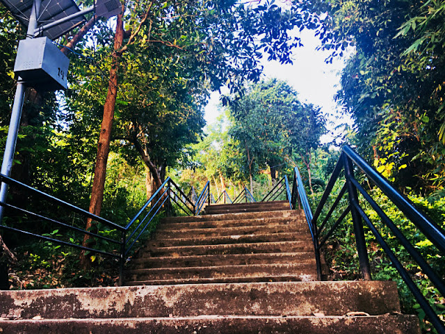 The stairs to Mt. Tapyas Coron Palawan