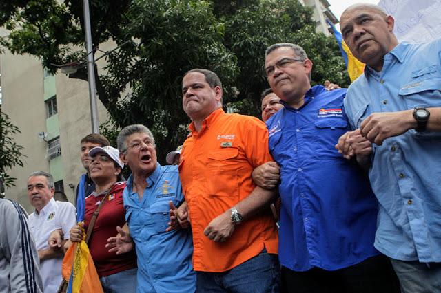 Diálogo y Oxígeno para Maduro | Por Angélica Mora Beals.