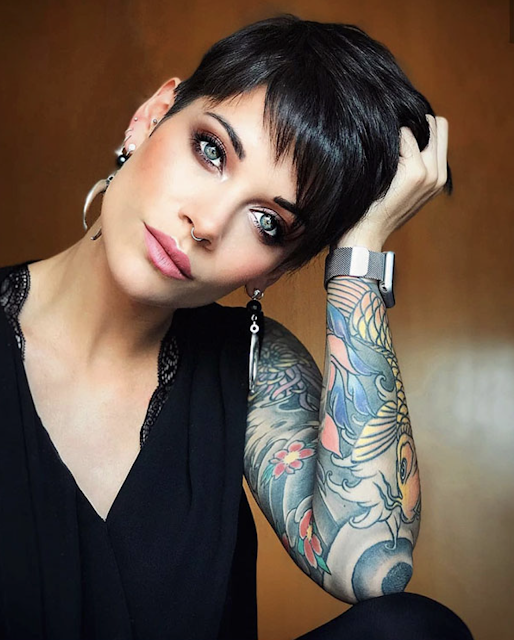 very short haircuts for women older ladies