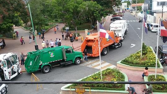Alcaldía adquiere flotilla de camiones