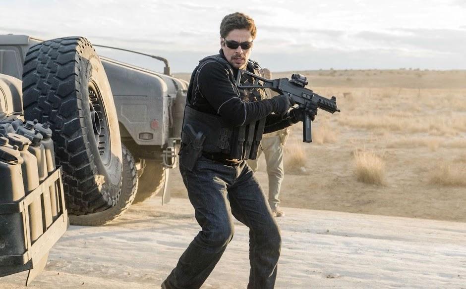 """Benicio Del Toro inicia uma guerra no 2º trailer de """"Sicário: Dia do Soldado"""""""