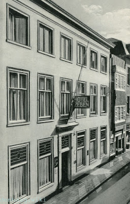Hotel Zeben - Molenstraat 26 - The Hague  circa 1935 (From DenHaag.wiki site)