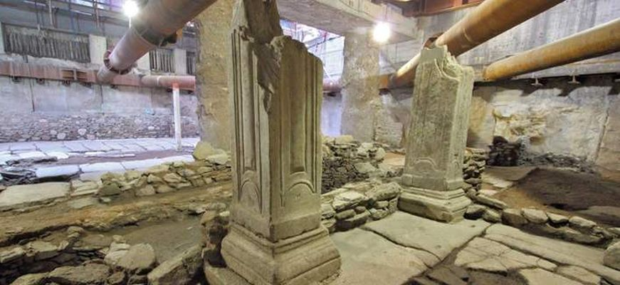 Αποκαλύφθηκε μαρμαρόστρωτη πλατεία στο μετρό της Θεσσαλονίκης