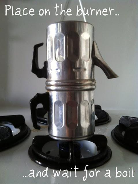 How to make coffee with a Napoletana pot