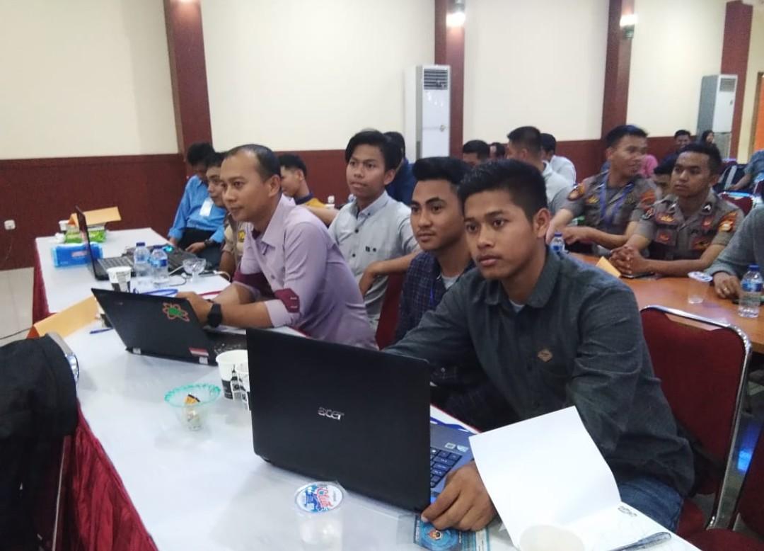 Perangi Berita Hoax, Personil Polres Tana Toraja Ikuti Pelatihan Multimedia dan Cyber Troops