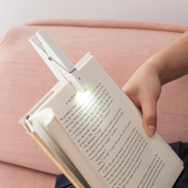 KIKKERLAND キッカーランド クローズピンクリップライト ウッド LEDライト クリップ 読書灯 clothespin clip light
