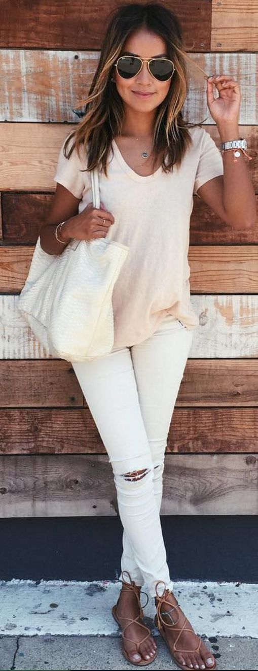 cute casual outfit / blush tee + bag + rips + sandals