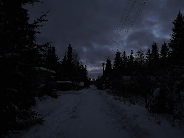 дача зима закат