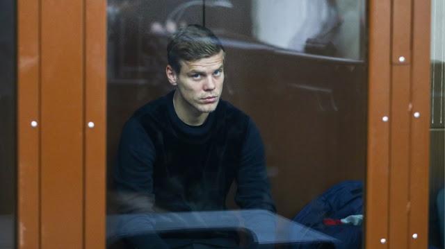 Суд разрешил врачу «Зенита» посетить Кокорина в СИЗО