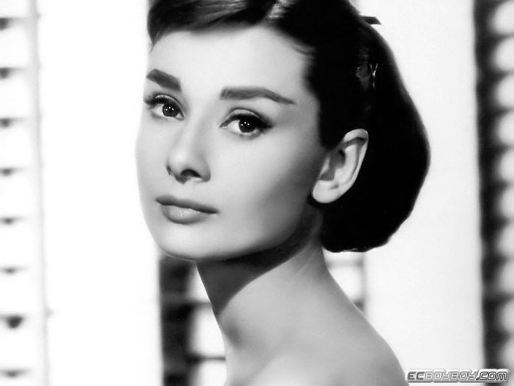 4c38352fa7e Red Lip Gloss: My Style Icon: Audrey Hepburn