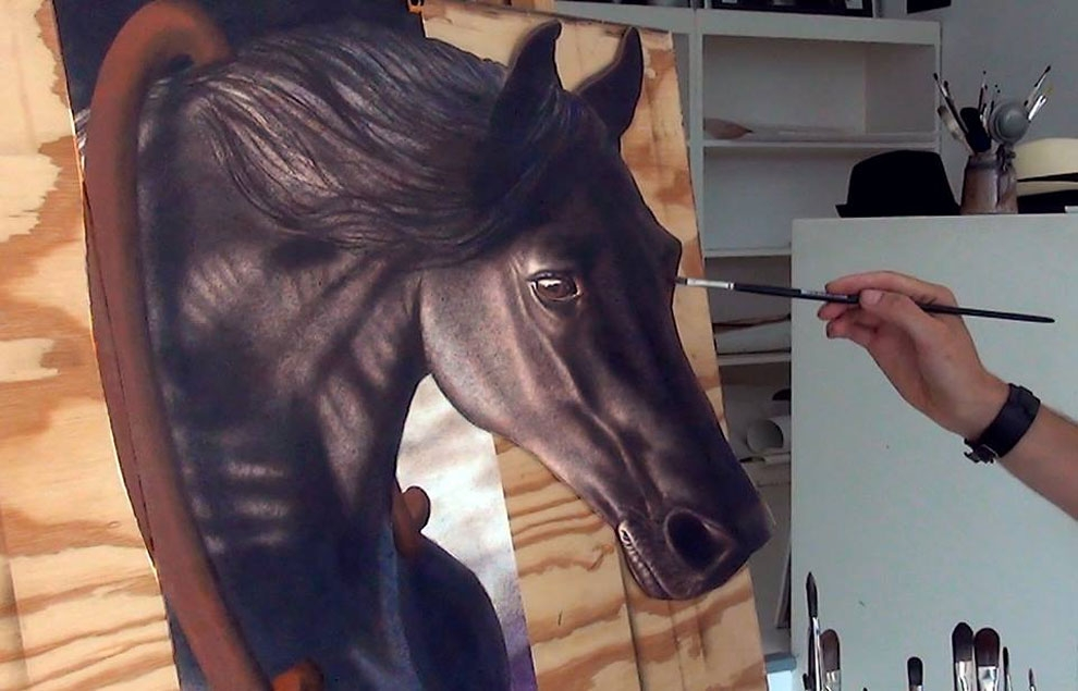 03-Horse-s-Head-Stefan-Pabst-NO-Photoshop-3D-Anamorphic-Drawings-with-Video-www-designstack-co
