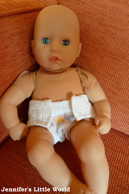 How to sew a simple nappy for a doll