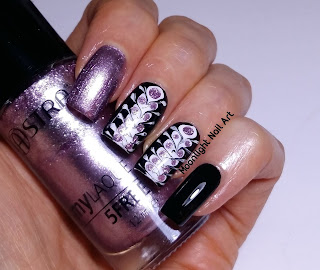 BLACK, WHITE & PURPLE DRAG MARBLE NAIL DESIGN