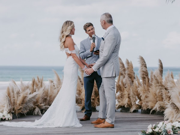 ➳ FUN, AUTHENTIC CEREMONIES | BEN CARLYLE CELEBRANT INTERVIEW {BYRON BAY}