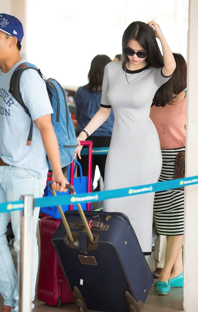 tr 6 - Beautiful Asian Girl Hot Sexy NGOC TRINH