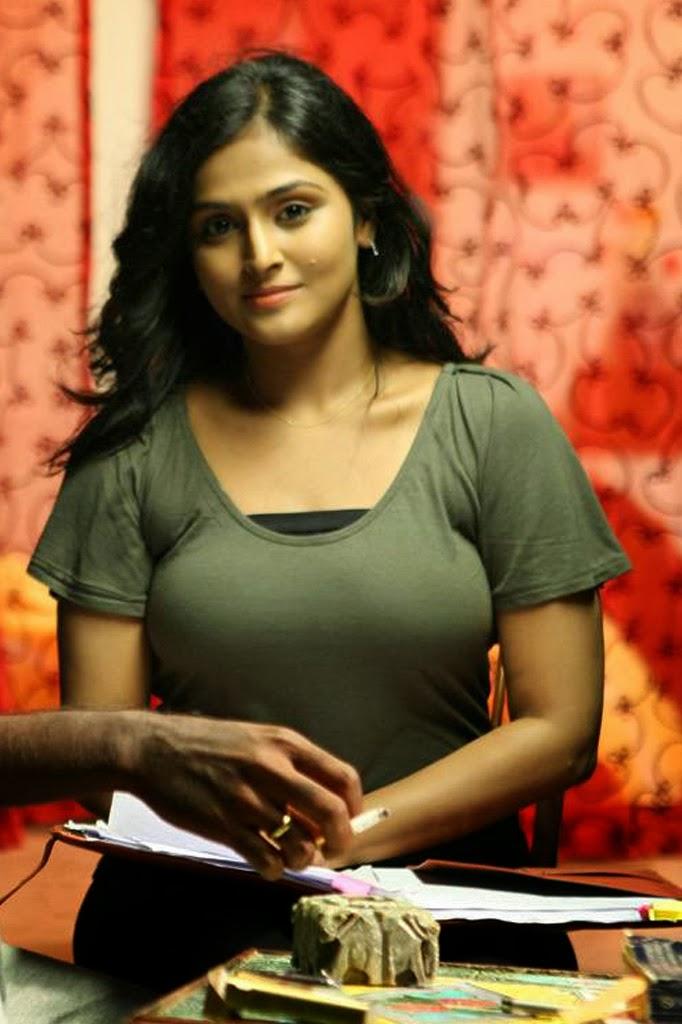 Ramya Nambeesan Cute Wallpapers South Indian Actress For You December 2013