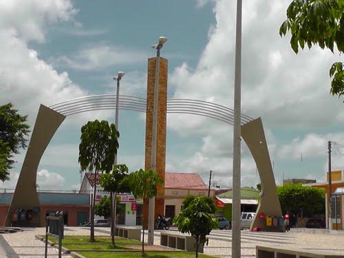 Vereador denuncia falta de placas indicativas com nomes de ruas em Luís Gomes