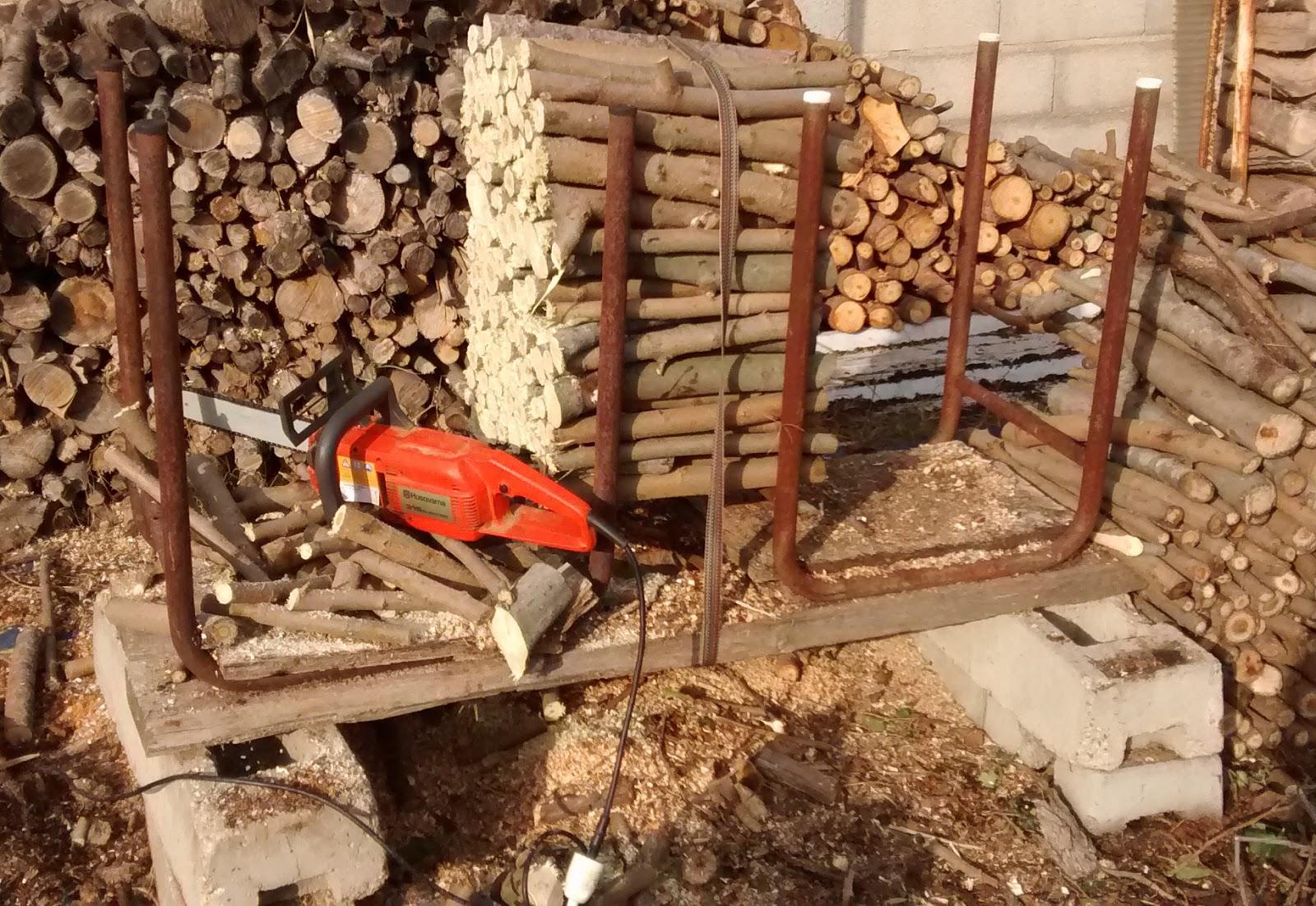 grinchou blog Chevalet de tronçonnage simple et efficace pour couper son bois de chauffage # Outil Pour Couper Du Bois