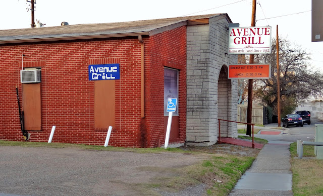 Avenue Grill 1017 Houston Ave, Houston, TX 77007