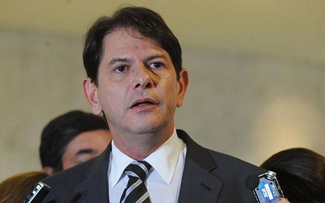 Cid Gomes entrou em campo para tentar consenso na disputa pela presidência da AL