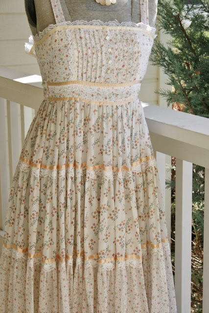 Gunne Sax So Named For The Gunny Sack Or Burlap Trim Used On Some Of Earlier Dresses Was Founded In 1960s 1969 It Purchased By Jessica