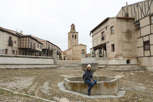 Plaza de la Villa, al fondo santa María la Real