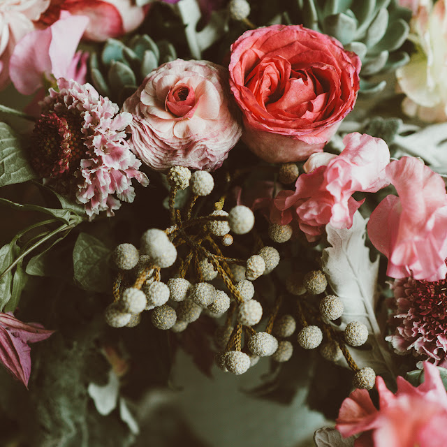 pretty bohemian wedding decor inspiration | succulents and enchanting flowers