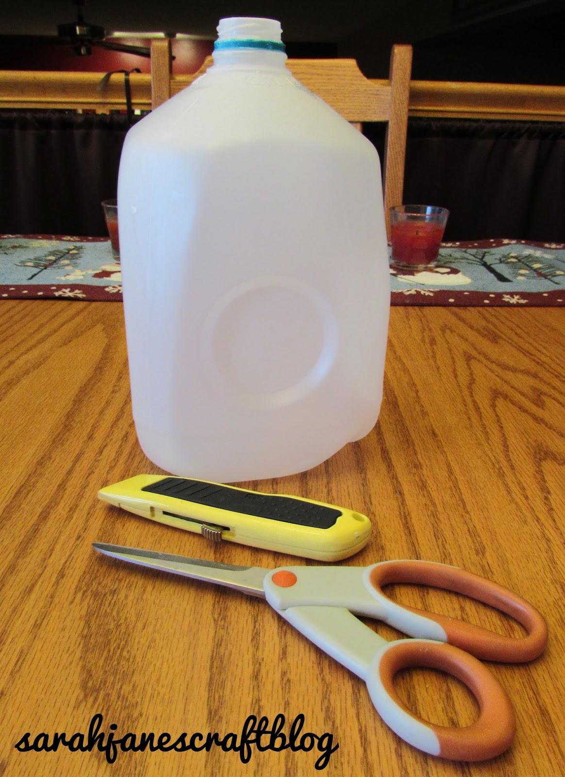 Sarah jane 39 s craft blog milk jug christmas ornaments for Christmas crafts with milk jugs