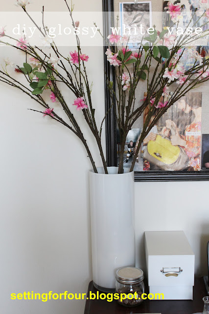 How to paint a clear glass vase - easy DIY home decor project to hold flowers. This DIY painted vase has a high end look and inexpensive to make!