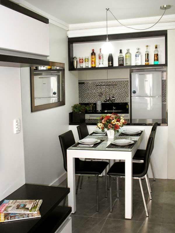 Sala simples, pequena e bem aproveitada Espaço mais alto com nicho