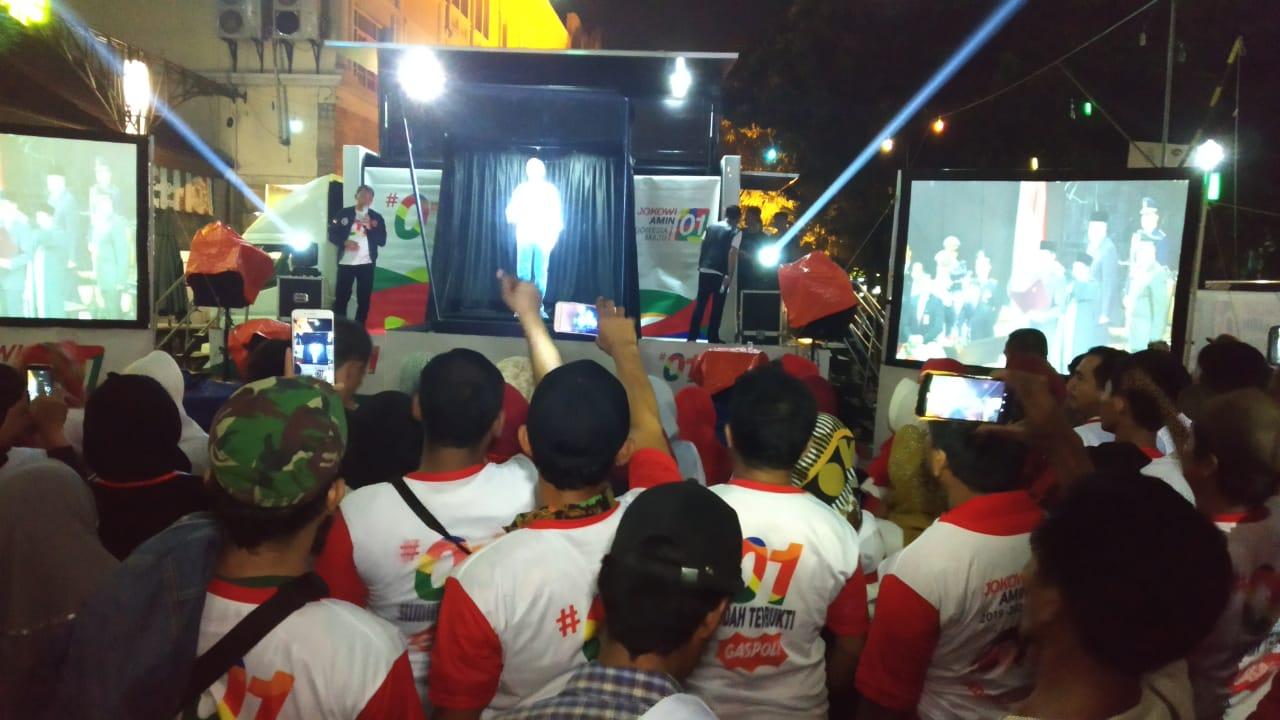 Saksikan Kampanye Hologram Jokowi, Ribuan Milenial dan Warga Cikarang Makin Yakin Menangkan 01