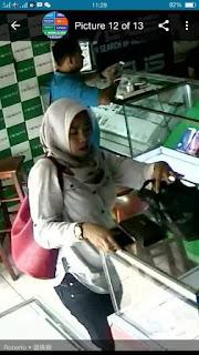VIRALKAN !!! Perempuan Ini Pencuri HP Di Counter Vivo Sadang Purwakarta