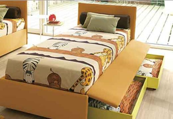 Camas con cajones que ahorran espacio drawer bed by for Camas de dos plazas baratas