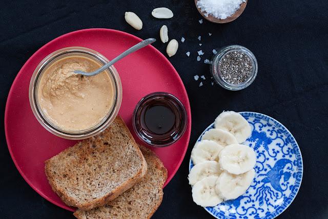 Doručak - kikiriki puter i još ponešto