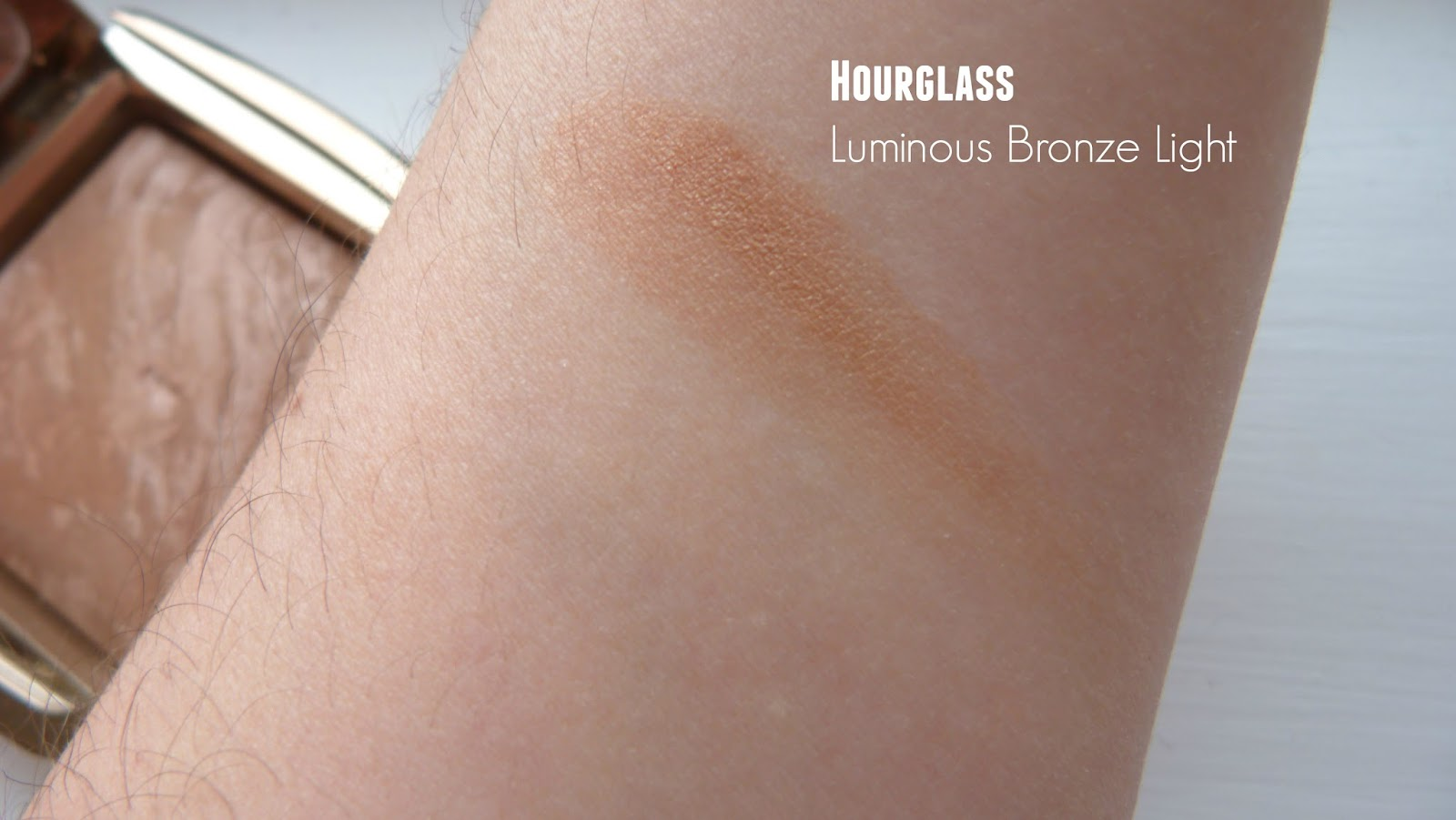Ambient Lighting Bronzer by Hourglass #21