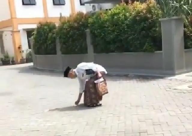 Tertangkap Kamera, Aksi Gus Sholah Ini Banjir Pujian
