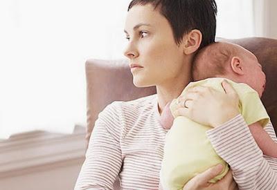 Bayi terkadang muntah atau gumoh saat di berikan ASI maka dari itukita perlu tahu penyebabnya perlu