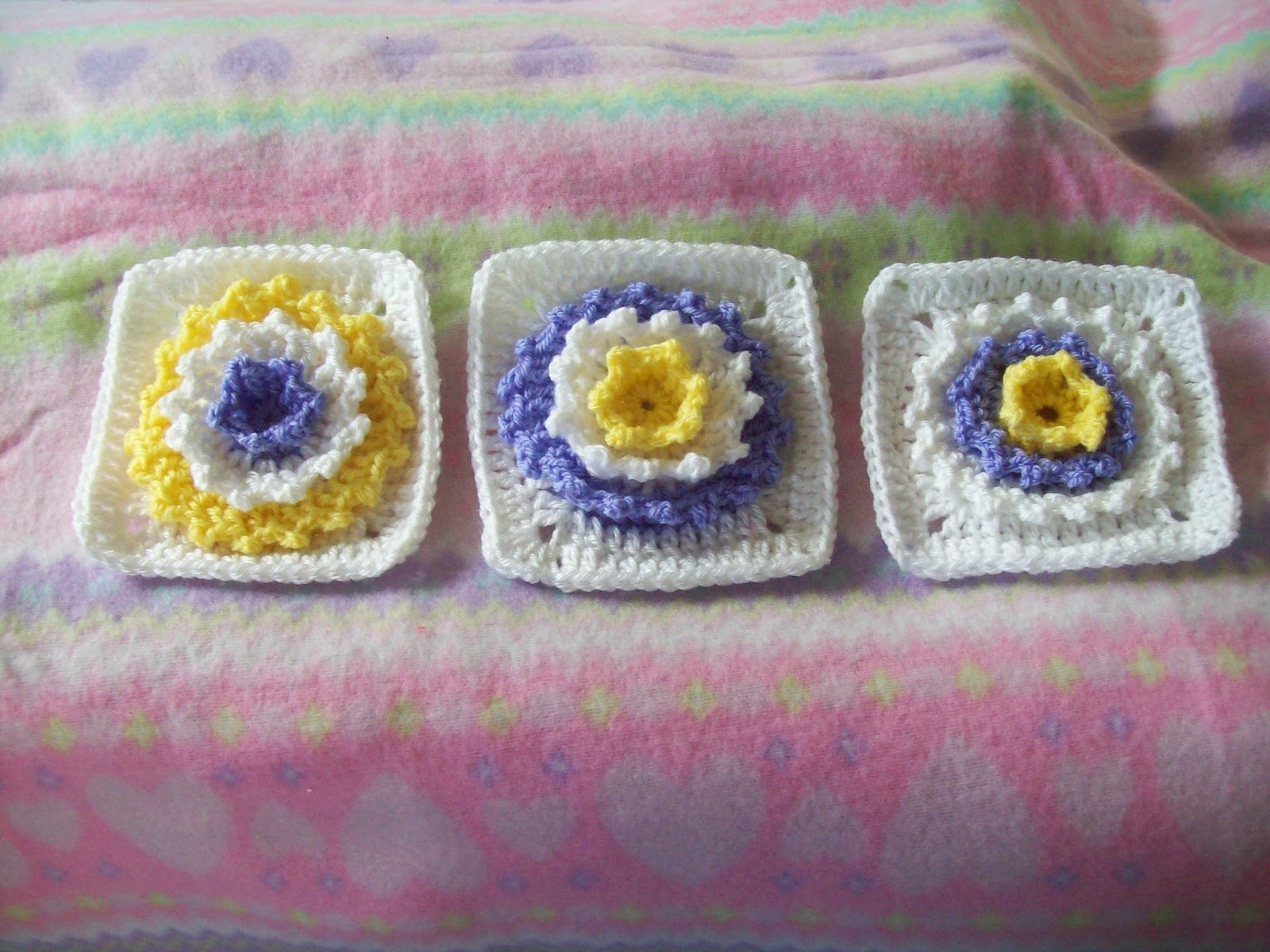 free pattern crochet flower square