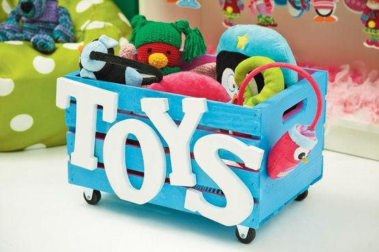 reutilizar caixotes de madeira organizar brinquedos