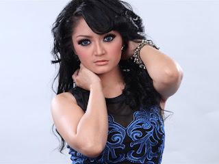 Download Lagu Dangdut Terbaru - Siti Badriah (MP3)