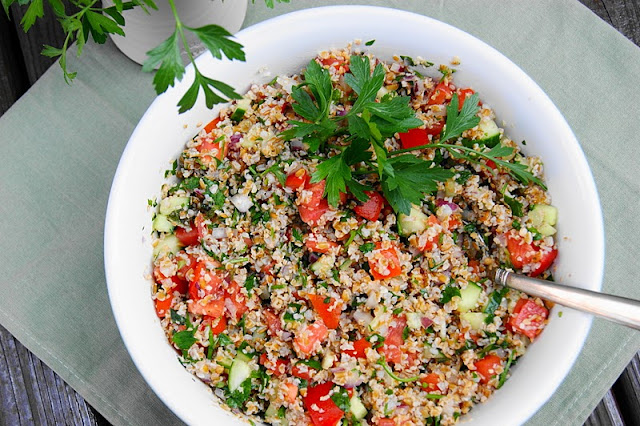 How to Make Tabouli {or Tabbouleh} photo