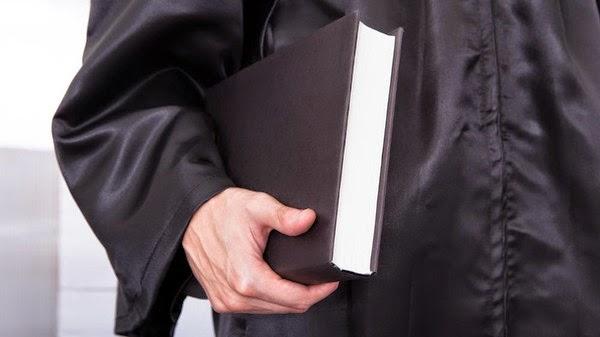نظرة في امتحان نقابة المحامين العراقيين