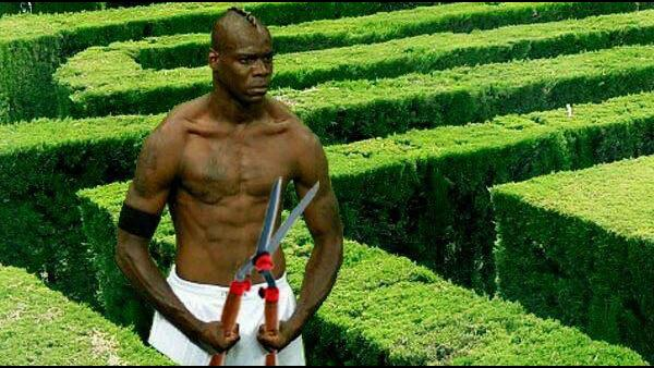Balotelli fail, Spain Wins