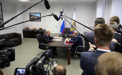 Working meeting with Belgorod Region Governor Yevgeny Savchenko.