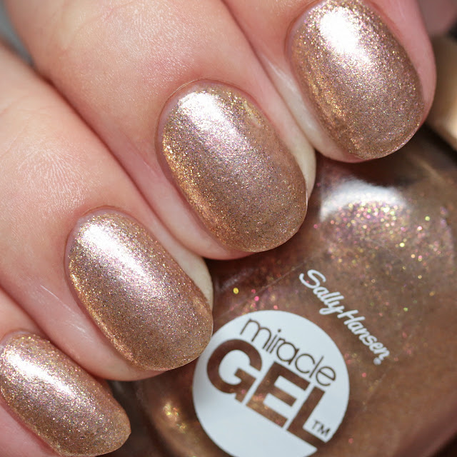 The Polished Hippy: Sally Hansen Miracle Gel Golden Glow