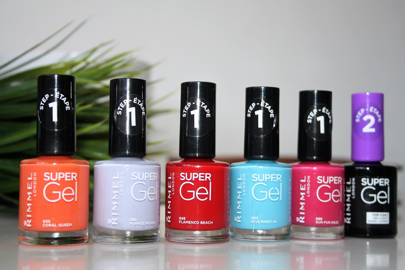 Today I thought i'd share the latest release from Rimmel. They have just released their new Super Gel Polishes and have some gorgeous shades.