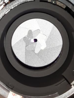 Jumlah blade pada difragma lensa Nikon 50 mm
