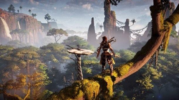 """Um dos escritores disse que o roteiro do jogo explica o por quê a protagonista de Horizon: Zero Dawn se expressa como """"uma norte-americana do século XXI"""""""