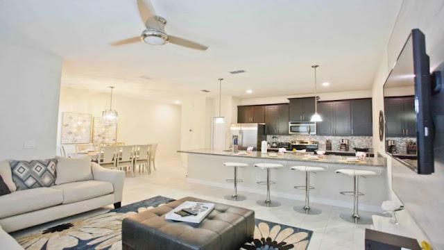Sala do condomínio Storey Lake Resort em Orlando