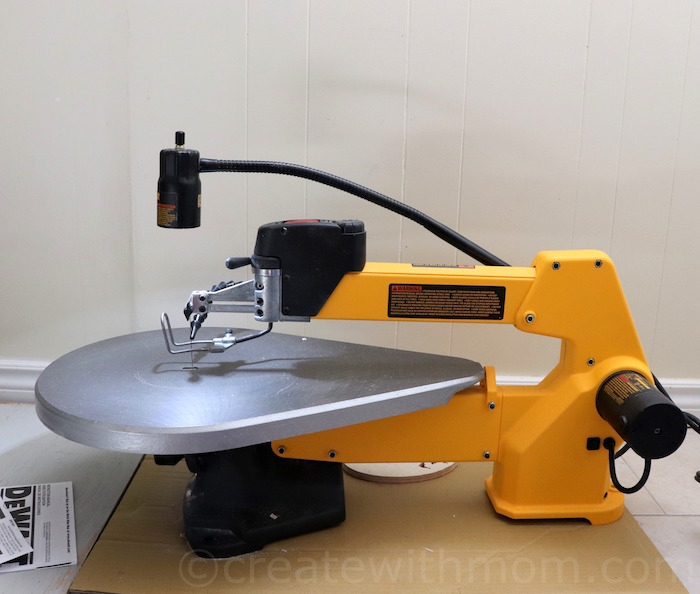 Prior To Using The Dewalt DW788 20 Variable Speed Scroll Saw We Had A Standard 16 Inch Which All Relevant Features Such As Blower
